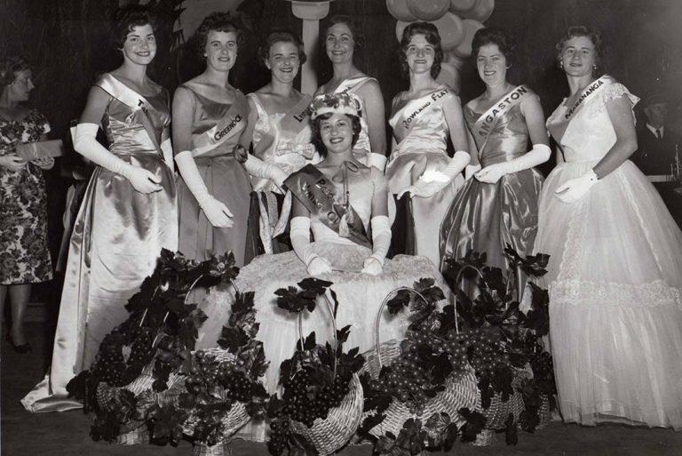 1961 Vintage Queen & entrants